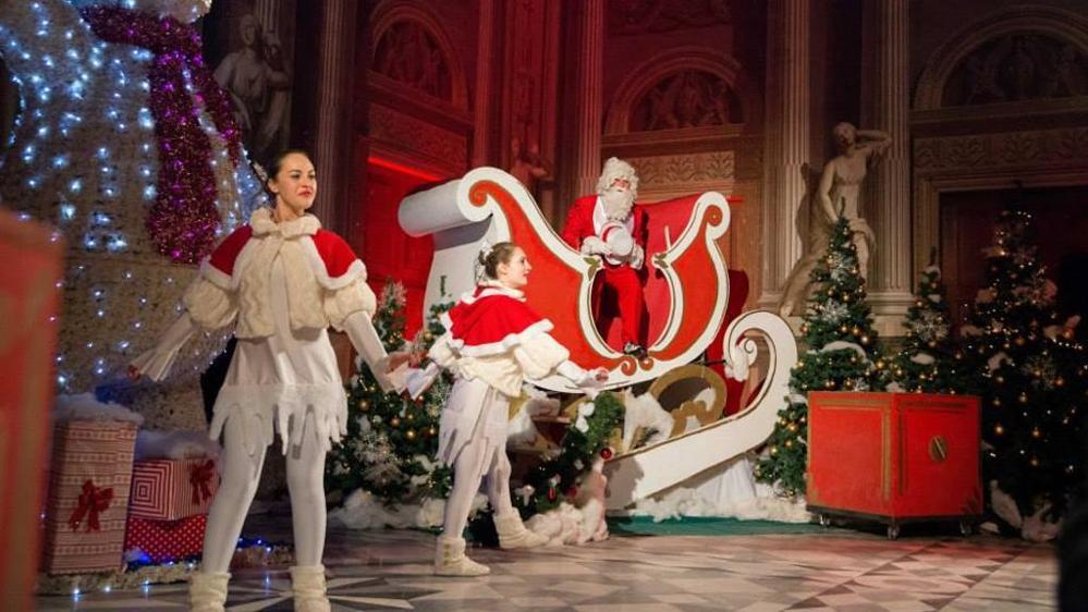 Casa Di Babbo Natale Piemonte.Mercatini Il Magico Paese Di Natale A Govone Piemonte Expo