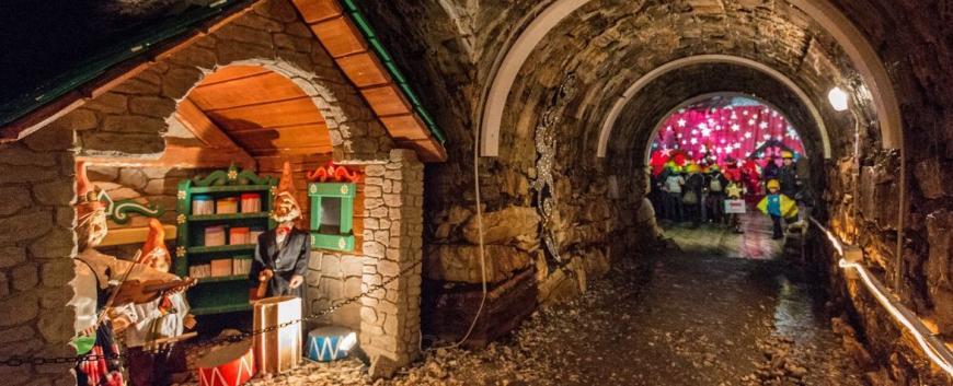 La grotta di babbo natale ornavasso 2017 - Mercatini piemonte oggi ...