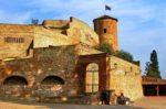 Castello (resti) di Castelnuovo Calcea – AT
