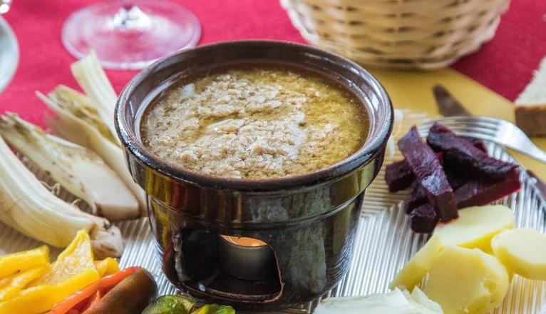 46° edizione la Sagra del cardo, della bagna caüda e della cipolla piattellina ad Andezeno